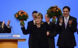 La chancelière allemande Angela Merkel a été réélue mardi à Hanovre (nord) présidente de l'Union chrétienne-démocrate (CDU) avec 97,94% des voix, son meilleur résultat depuis qu'elle dirige le parti.