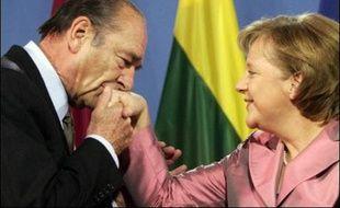 Les 27 dirigeants de l'UE se sont retrouvés samedi à Berlin pour des festivités marquant le 50e anniversaire du traité de Rome, en quête d'une harmonie apte à relancer une Union européenne déprimée depuis les rejets français et néerlandais de la Constitution.
