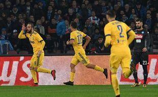 Gonzalo Higuain a permis à la Juventus d'aller gagner sur la pelouse de son ancien club, Naples, le 1er décembre 2017.