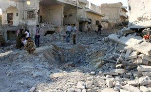 Les rebelles tentent de bloquer les renforts gouvernementaux avant Maaret al-Noomane, position stratégique pour les insurgés car passage obligé de l'armée vers Alep (nord) où armée et rébellion s'affrontent depuis la mi-juillet.