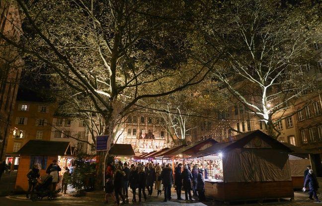 Le marché de Noël, place du Temple Neuf à Strasbourg le 24 novembre 2019.