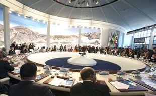 Table ronde finale du sommet du G8 à l'Aquila, en Italie, le 10 juillet 2009.