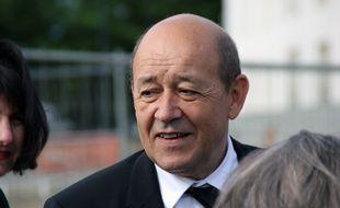 Le ministre de la Défense Jean-Yves Le Drian aurait menacé de démissionner du Gouvernement.