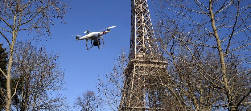 La justice interdit l'utilisation des drones pour surveiller l'application du déconfinement