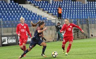 Sakina Karchaoui, ici en Ligue des champions féminines avec Montpellier, fait partie du groupe France qui défie l'Allemagne et la Suède.