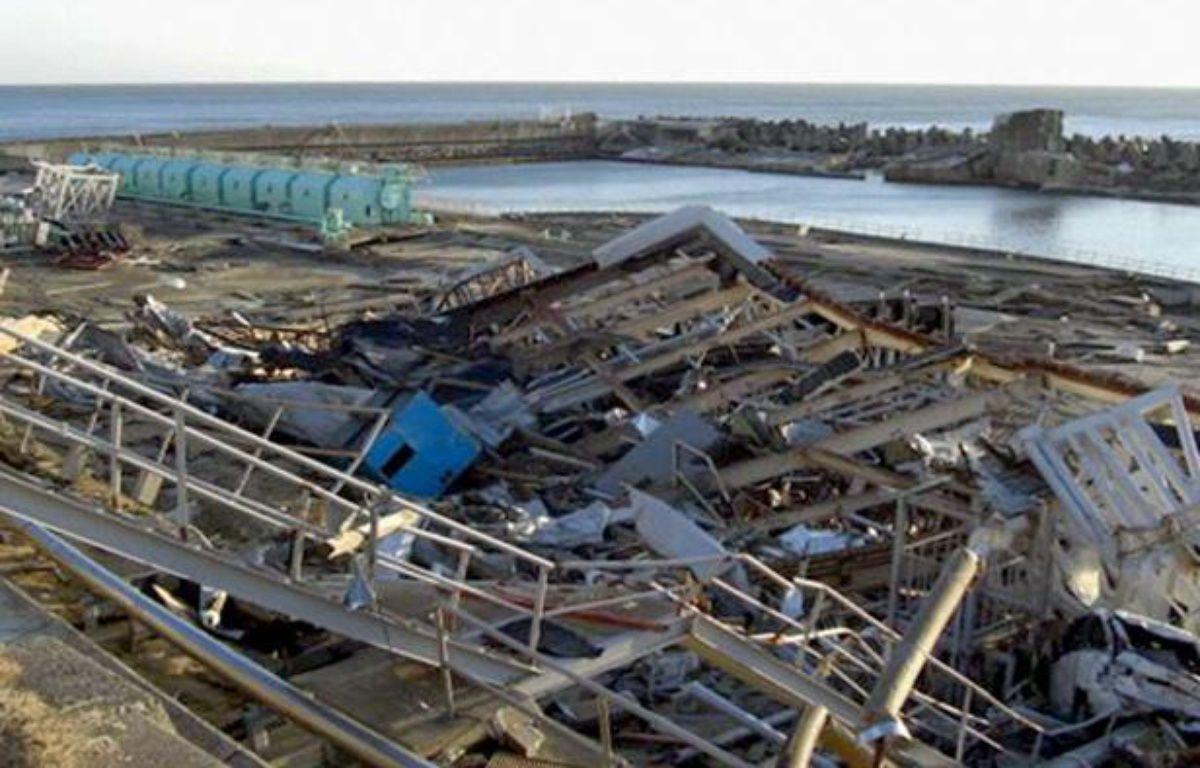 La centrale de Fukushima dévastée, un mois après le tsunami du 11 mars 2011. – NEWSCOM/SIPA