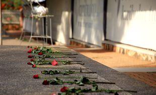 Des roses au mémorial du génocide à Kigali, la capitale rwandaise, le 25 août 2019.