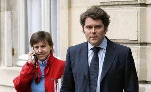La cour d'appel de Paris s'est opposée lundi à ce qu'un juge d'instruction enquête sur le contrat conclu en 2007, sans mise en concurrence, entre l'Elysée et une société de conseil pour la réalisation de sondages.