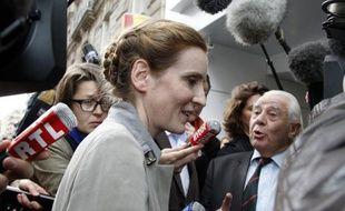 Brigitte Dupin, la candidate du Rassemblement Bleu Marine (Front national et alliés) battue au 1er tour dans l'Essonne face à Nathalie Kosciusko-Morizet, a confirmé mardi l'appel de Marine Le Pen à faire battre l'ex-ministre UMP et à voter PS dans sa circonscription.