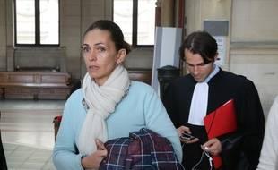 Adeline Blondieau, au tribunal de Paris, au premier jour du procès contre Amanda Sthers et Johnny Hallyday pour diffamation.