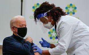 Joe Biden vacciné contre le Covid-19