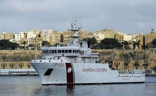 Le navire des garde-côtes italiens Gregoretti en 2015.