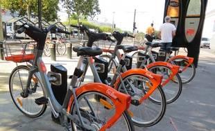 Les nouveaux vélos «Bicloo plus» à Nantes.
