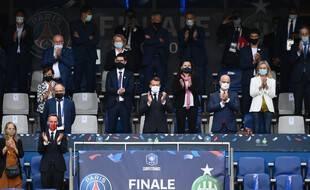 Roxana Maracineanu aux côtés d'Emmanuel Macron lors de la dernière finale de la Coupe de France.