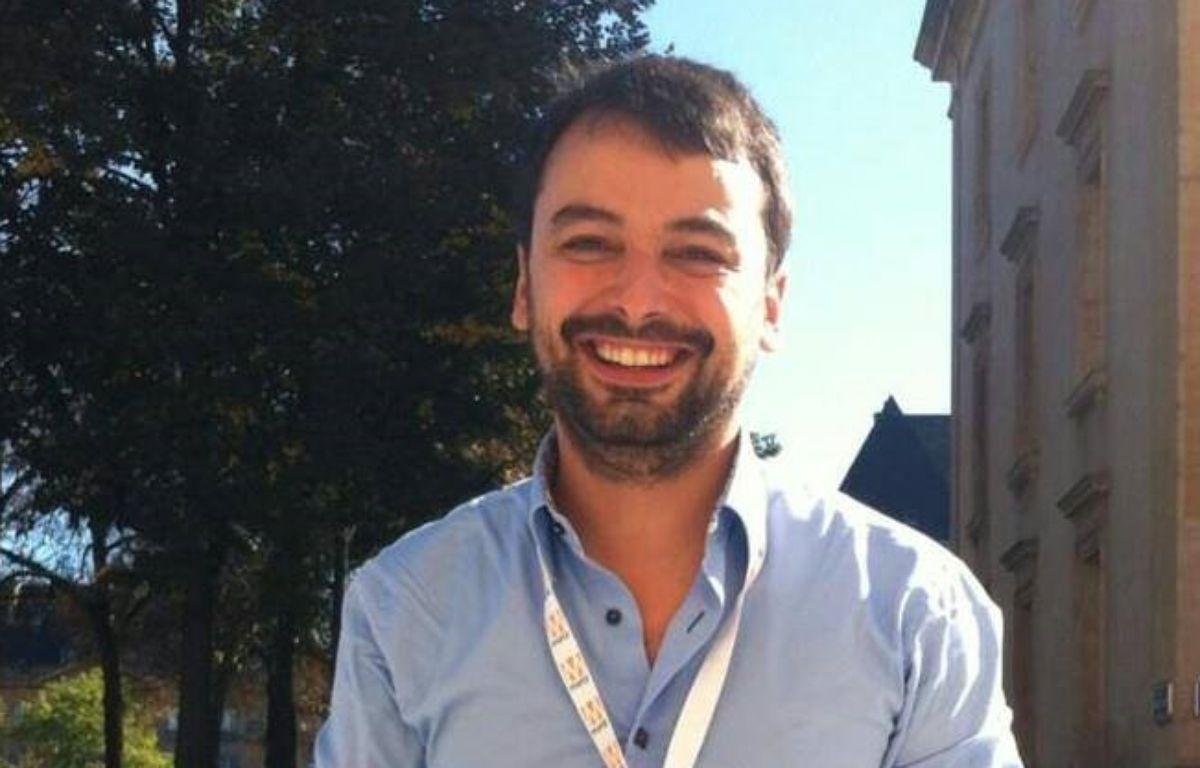 Le journaliste Sylvain Lapoix a eu l'idée du hashtag «PorteOuverte» le 13 novembre 2015. – Photo personnelle Sylvain Lapoix
