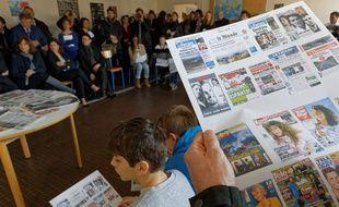 Une séance d'éducation aux médias, dans le cadre de la semaine d'éducation aux médias, à Paris 12e, le lundi 23 mars 2015.