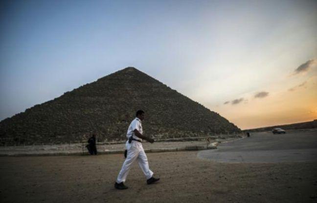 Egypte: Une explosion dans un bus de touristes près des pyramides fait au moins deux morts