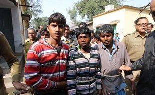 Les hommes désertaient vendredi Subalpur, village de l'est de l'Inde, théâtre du viol collectif d'une jeune femme de 20 ans ordonné par le conseil des anciens, qui a suscité l'indignation des défenseurs des droits des femmes.