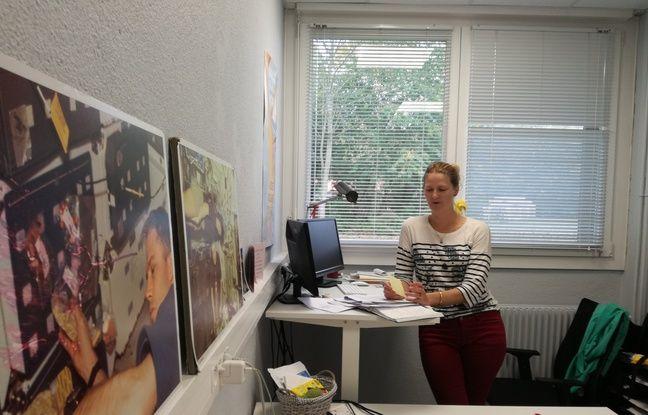 De nombreuses photos du monde spatial décorent aussi le bureau de la chercheuse Audrey Bergouignan, qui mène des recherches aux quatre coins de la planète, sur la sédentarité des Hommes.