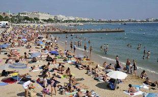 La plage, à Cannes, dans le sud de la France, le 15 août 2011.