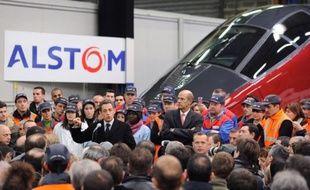 """Le candidat Nicolas Sarkozy est venu illustrer mardi près de La Rochelle, sur les terres de son ex-rivale socialiste Ségolène Royal, sa promesse de défendre la """"France des usines"""" sur un site du groupe Alstom, qu'il s'est à nouveau targué d'avoir sauvé."""
