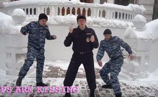 Les Pussy Riot ont sorti une nouvelle chanson intitulée « Track About Good Cop ».