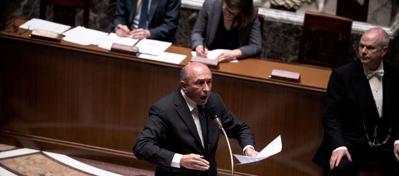 Gérard Collomb, ministre de l'intérieur, colère dans l'hémicycle.
