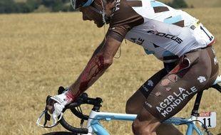 Jean-Christophe Péraud a été victime d'une lourde chute lors de la 13e étape du Tour de France, le 17 juillet 2015.