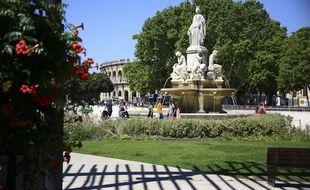 La fontaine Pradier à Nîmes, veille sur les arènes.