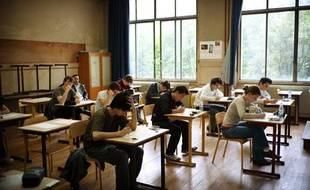 Des lycéens passent leur baccalauréat en 2010.