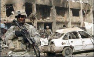 Six soldats américains ont été tués dimanche au cours de plusieurs attaques aux environs de Bagdad, en dépit du plan de sécurisation de la capitale qui mobilise plus de 30.000 Américains et Irakiens.