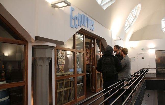 « La Grande Poste Espace Improbable » propose des échoppes en mezzanine, où des créateurs se succèdent tous les mois