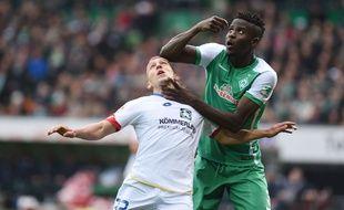 Papay Djilobodji s'est rendu coupable d'un très mauvais geste à destination d'un adversaire lors de Werder Brême-Mayence, le 19 mars 2016.