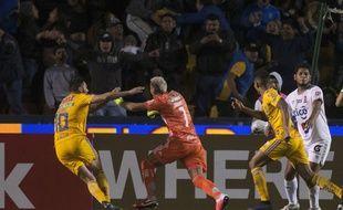 Nahuel Guzmán, le gardien des Tigres, a marqué le but de la qualification de son équipe pour les quarts de finale de la Ligue des champions de la Concacaf, le 27 février 2020.