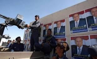 Le président yéménite Ali Abdallah Saleh a appelé lundi ses concitoyens à aller voter mardi pour son successeur désigné, le vice-président, alors que des heurts entre forces de l'ordre et manifestants lors de rassemblements contre la consultation ont fait deux morts.