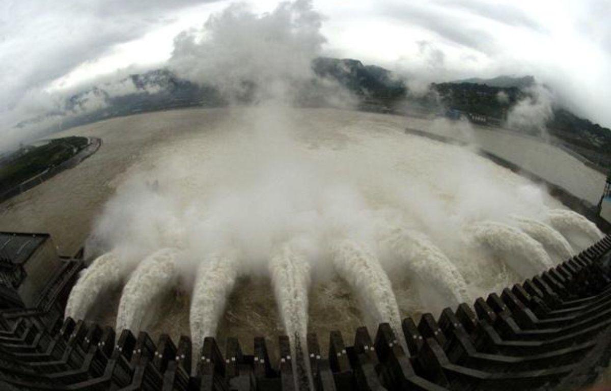 Le système de contrôle des crues du barrage des Trois Gorges en Chine, en juin 2007. – XINHUA/SIPA