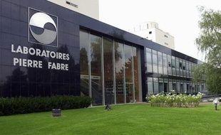 Le décès de Pierre Fabre ouvre une période d'incertitude à la tête des laboratoires du même nom, dont le patron emblématique a pérennisé l'indépendance mais n'a pas désigné de dauphin clairement établi.