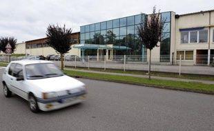 La direction de la Manufacture vosgienne de meubles (MVM), à Mattaincourt (Vosges), filiale du groupe Parisot, a annoncé lundi la suppression de 120 emplois sur 378 lors d'un comité d'entreprise, a-t-on appris de source syndicale.