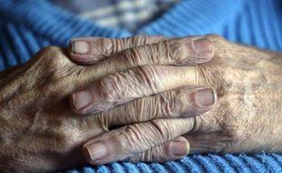 Quatre-vingt-neuf pour cent des Français souhaitent que le président François Hollande tienne sa promesse électorale et fasse voter une loi autorisant l'euthanasie active pour les personnes en fin de vie qui en feraient la demande, selon un sondage Ifop publié mercredi.