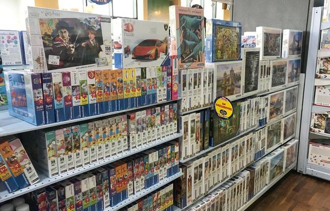 Le rayon puzzles d'un magasin La grande récré.