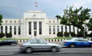 La banque centrale des Etats-Unis (Fed) a indiqué mercredi que la croissance économique américaine s'améliorait mais restait modérée.
