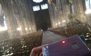 Tous les groupes de visiteurs de la cathédrale de Strasbourg et leurs guides sont désormais obligés d'être équipés d'audiophones.