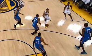Stephen Curry, le meneur de jeu des Golden State Warriors, le 5 janvier 2015, contre Oklahoma.