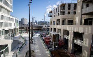Un chantier à l'arrêt dans le 13e arrondissement de Paris, le 23 mars 2020.