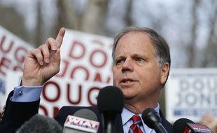 Le démocrate Doug Jones, candidat au Sénat dans l'Alabama, a été élu selon plusieurs médias américains.