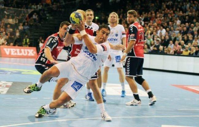 Les handballeurs de Montpellier ont vécu en reclus jeudi à Flensburg (Allemagne), avant leur match en soirée contre le club local, mais dès vendredi et leur retour à Paris ils seront à la merci des enquêteurs pour cette affaire de paris sportifs visant quelques uns d'entre-eux.