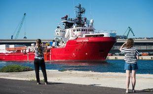 L'Ocean Viking lors de son escale à Marseille