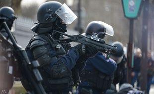Des policiers le 09/02/2019.