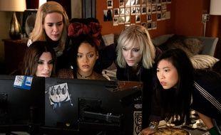 De gauche à droite : Sandra Bullock, Sarah Paulson, Rihanna, Cate Blanchett et Awkwafina dans «Ocean's 8».