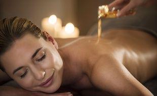 """Parmi les soins signatures de la Thalasso de Concarneau, """"l'éveil des sens"""" propose un massage en pleine conscience."""